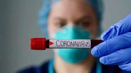Из-за коронавируса в Украине хотят запретить массовые мероприятия и приостановить учебу: детали