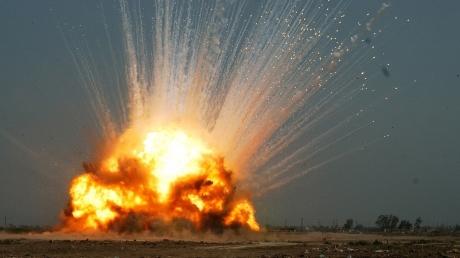 Трагедия в зоне АТО: КамАЗ с тремя людьми на оккупированной Луганщине подорвался на мине террористов, появилась первая информация о жертвах взрыва