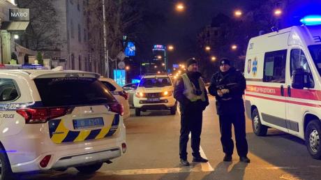 Новые фото с места расстрела авто в Киеве: погибшему ребенку было три года