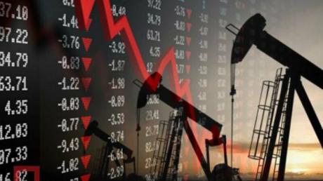"""""""Война продолжается"""", - названа причина падения цен на нефть сразу после подписания сделки ОПЕК+"""