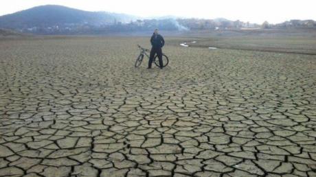 """""""Крым ждет кризис и не только с водой"""", - соцсети просят ввести ЧС"""