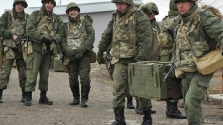 В Иловайск в оцеплении 100 солдат доставлен секретный военный груз из России: Мысягин сообщил первые данные