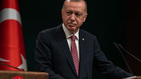 """Зачем Турция начала операцию """"Весенний щит"""": самое эмоциональное обращение Эрдогана к Асаду и Путину"""
