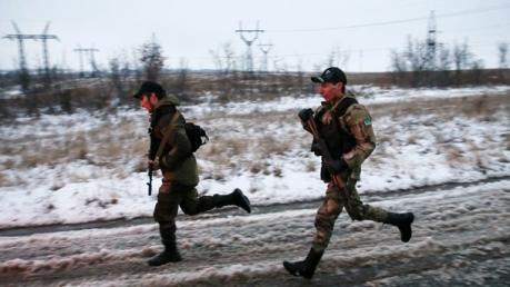 Пьяные боевики на КамАЗах протаранили ограждение на КПП «Изварино – Донецк» и прорвались в сторону Каменска (Россия)