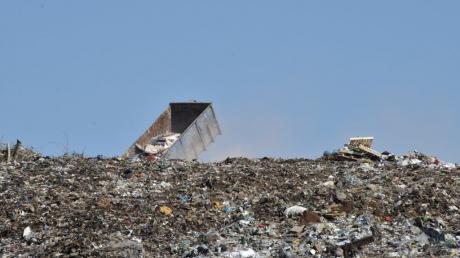 Жизнь тысяч россиян под Екатеринбургом невыносима из-за мусорной свалки: люди просят Путина о спасении