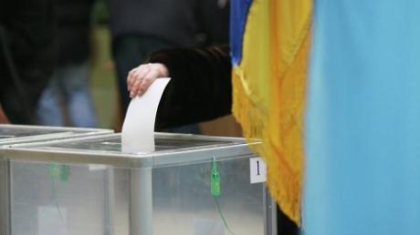 Выборы в Кривом Роге снова под угрозой: наблюдатели фиксируют массовые факты подкупа избирателей