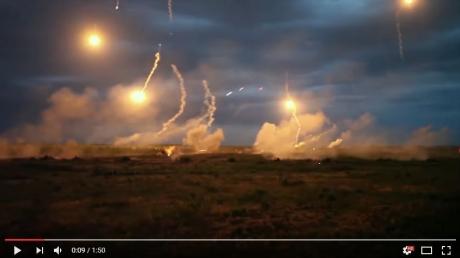 """Мощнейшая артиллерия и авиация ВС Украины в схватке с противником: опубликовано видео учений  """"Эдельвейс"""", от которых захватывает дух - кадры"""