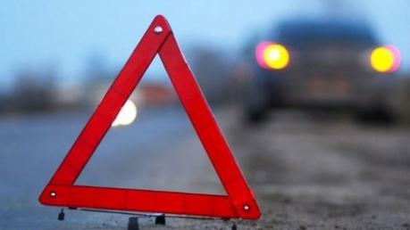 Гонки пьяного мажора в Киеве едва не закончилась плачевно: водитель иномарки врезался в электроопору  и беспечно продолжил пьянку