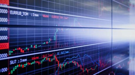 Акции крупных российских компаний рухнули на фоне падения цен на нефть - данные с Московской биржи