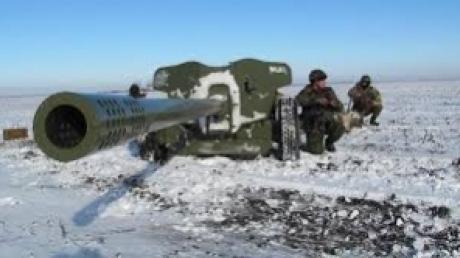 В районе Горловки зафиксировано три обстрела из стрелкового оружия, - штаб АТО