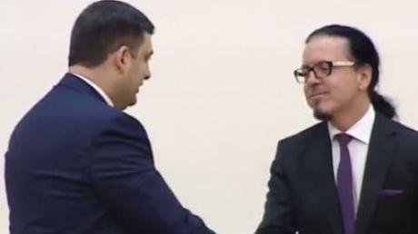Официально: у руля Укрзализныци поставлен Войцех Бальчун - польский чиновник и рок-звезда