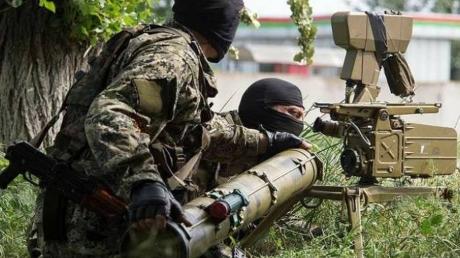 Террористы яростно атакуют приморское направление: по Широкино выпущено 16 мин, ведутся обстрелы из БМП - кадры