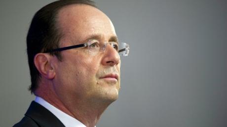 Олланд назвал свою мирную инициативу с Меркель последним шансом избежать войны