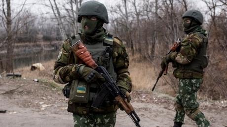 """Террористы """"ДНР"""" подло пытались убить воинов ВС Украины в Каменке прицельным огнем снайперов, зенитных установок и БМП"""
