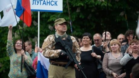 """Экс-боевики """"ЛНР"""" хотели легких денег, продавая оружие в Санкт-Петербурге, но были задержаны"""