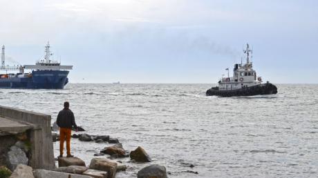 Судоходство в Крыму на грани катастрофы из-за обмеления стратегического канала