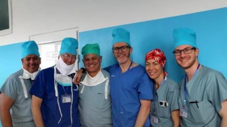 Во Львове впервые в Украине сделали операцию по восстановлению лица: врачи падали с ног