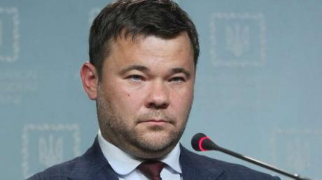 У Зеленского появилась новая проблема после отставки Богдана, решить которую сложно: что произошло