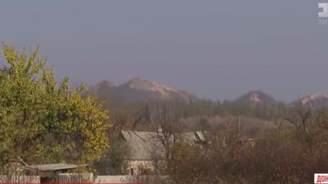 Появилось видео из-под под Марьинки, где снайпер РФ убил двух военных