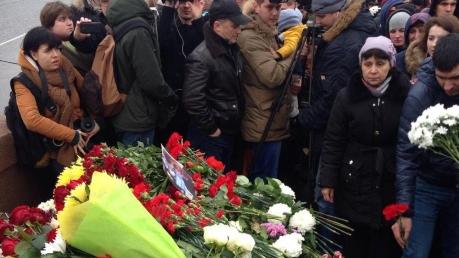 Шествие памяти Немцова в Москве завершилось