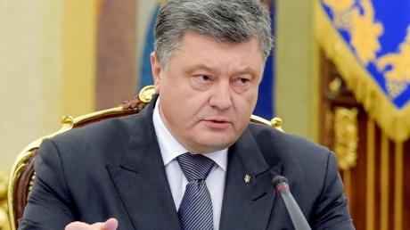 Порошенко сообщил, что знает кого РФ хочет видеть во втором туре выборов