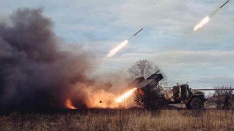 СНБО: за сутки в зоне АТО погибли 9 и ранены 39 украинских военных