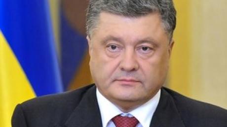 Перемирия не будет: Президент Порошенко признал, что мирным путем донбасский конфликт уже нельзя решить