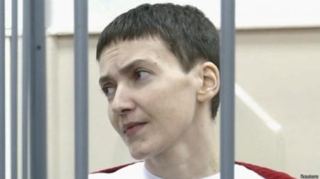 На 11 день сухой голодовки Савченко стало гораздо хуже: она согласилась на капельницы, чтобы дожить до 20 апреля