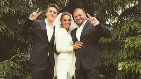 """Дочь """"оппоблоковца"""" Добкина шокировала своей свадьбой: кричащая роскошь, подвенечный наряд ценой в 4 годовые зарплаты папы, голая фотосессия за год, – появились кадры"""