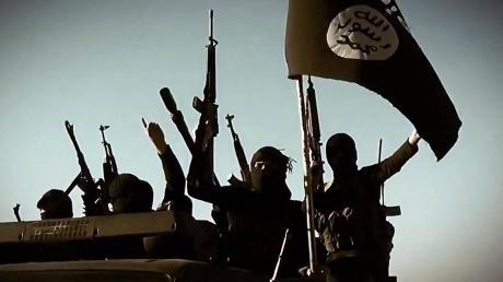 Reuters: мощные авиаудары Турции уничтожили пять позиций террористов ИГИЛ и 34 боевика в Сирии