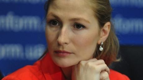 Громкое  назначение в Кабмине: крымская журналистка Джеппар получила должность первого замминистра информполитики