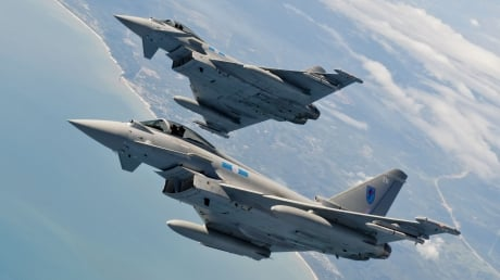 Шойгу летел в Калининград под конвоем истребителей НАТО