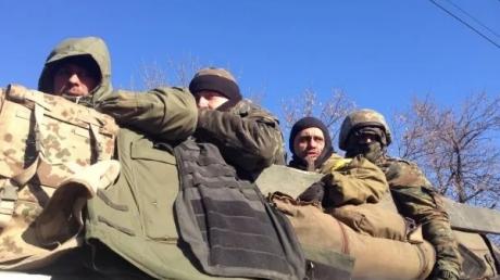 Семенченко: в Артемовск из Дебальцево вывезено 167 раненых. Многих погибших не забирали