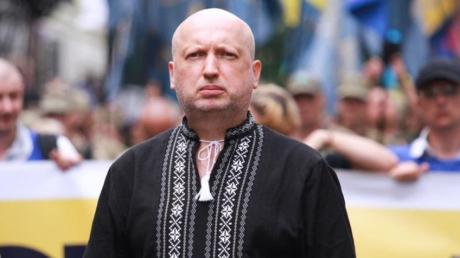 """Турчинов выступил с обращением к защитникам Украины: """"Мы существуем благодаря Вам"""""""