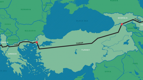 """Россия проиграла схватку Азербайджану за рынок в ЕС: газопровод TAP ввели в эксплуатацию раньше, """"Газпром"""" проигрывает"""