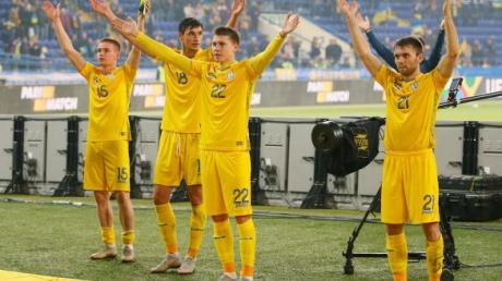Украина Чехия онлайн, смотреть видео Украина Чехия, кадры, видео, футбол, лига наций, андрей шевченко, малиновский, яремчук