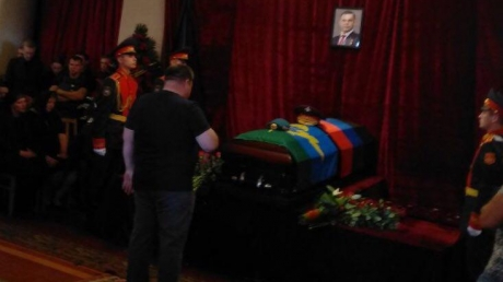 """""""Наверное, его сильно покалечило"""", - террориста Захарченко хоронят в закрытом гробу – эксклюзивное фото из Донецка - кадры"""