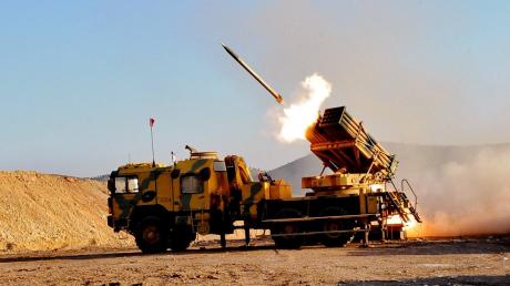 Турецкая армия наращивает наступление на позиции Асада в Идлибе, задействовав РСЗО TR-300 Kasirga