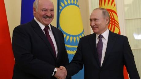 На фоне усиления протестов в Минске Россия и Беларусь утвердили новый план