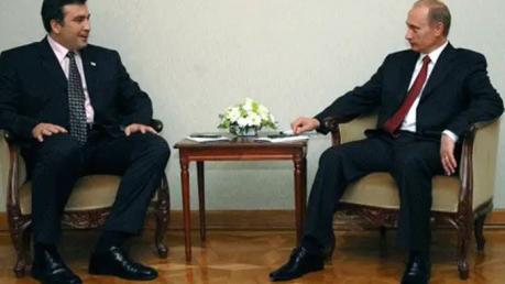 """Саакашвили раскрыл детали встречи тет-а-тет с Путиным: """"Вонзил ногти в колено и пригрозил"""""""