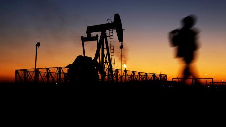 Цены на нефть рекордно меняются второй день подряд