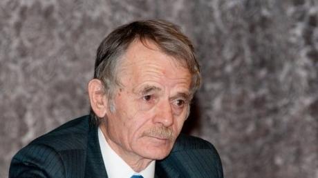 Джемилев: Порошенко должен ввести полную блокаду Крыма