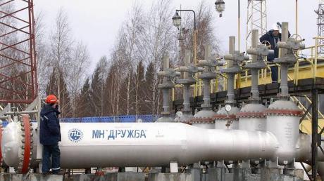 """Беларусь консервирует российскую """"Дружбу"""" - начат забор технологической нефти"""