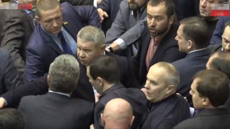 Украина, Верховная Рада, Шуфрич, Береза, Народный фронт, Оппозиционный блок, Драка.