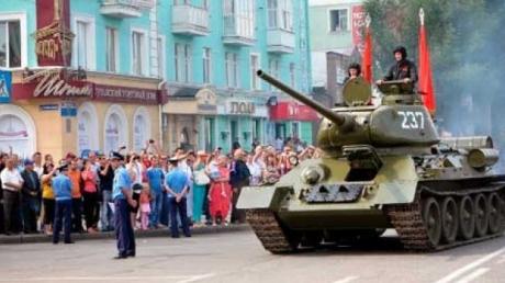 """На репетиции военного парада в """"ЛНР"""" уронили гранату – увезли много раненых – источник"""
