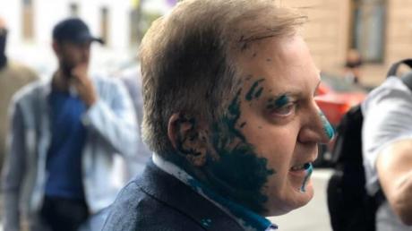 Нардепа от ОПЗЖ Волошина облили зеленкой у входа в Верховную Раду: названы причины