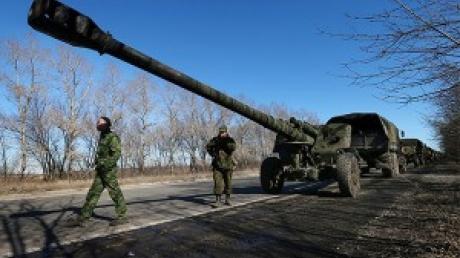 Боевики ДНР отвели от Еленовки шесть САУ