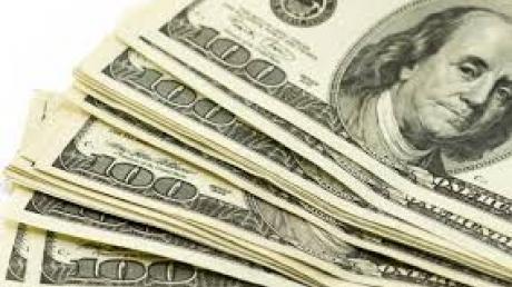 Нацбанк: в январе-феврале валютная выручка упала в два раза
