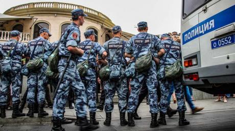 На границе России и Казахстана произошли столкновения: мигранты начали драку с Росгвардией