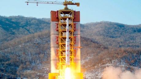 КНДР наращивает ядерные обороты: Северная Корея произвела запуск второй баллистической ракеты за сутки